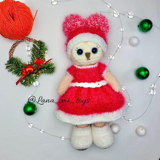 Новогодний наряд для игрушек и куколок связанных спицами и крючком
